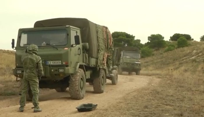 Czech and Spanish CBRN Troops Conduct Vehicle Decontamination