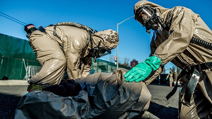 Chemical Soldiers Train with New York City Police COBRA Team